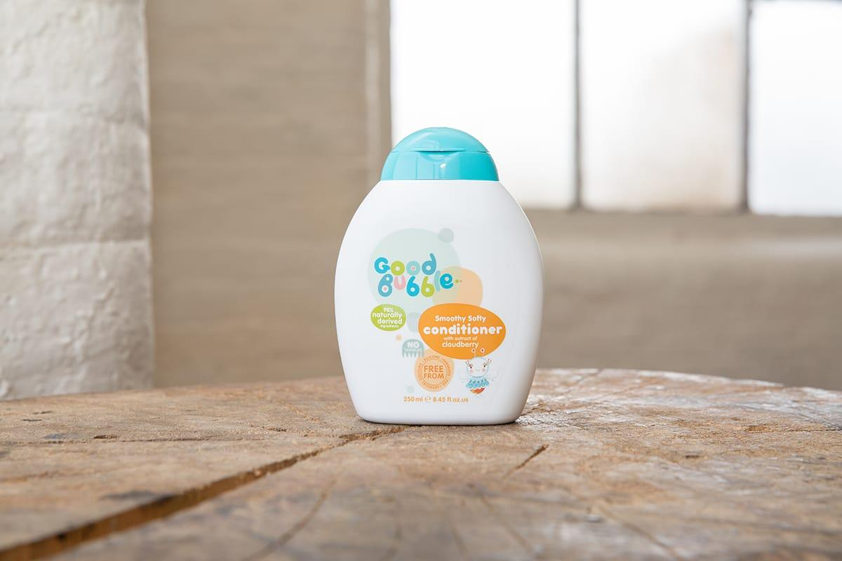 Smoothy Softy Conditioner With Cloudberry Extract Lifestyle